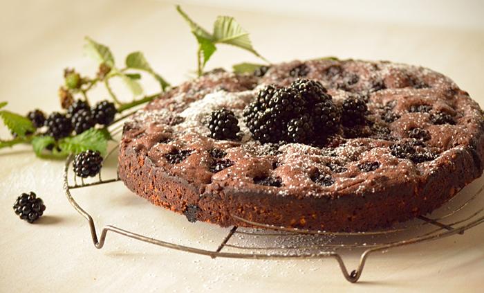 Schokoladenkuchen mit Brombeeren Rezept   Wilde Beete