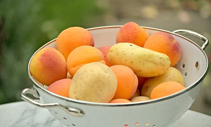 Aprikosen und Kartoffeln